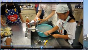 ⑨-2コメのとぎ汁を使って洗浄(焼きカレーが出来るまでに…)